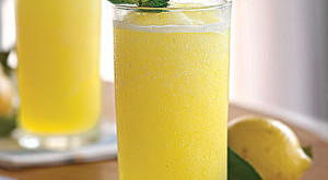 How to Cook: Fresh Lemonade