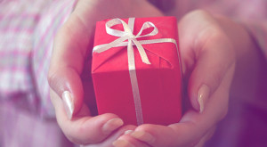 Holiday Gift Giving Guide: The Fashionista