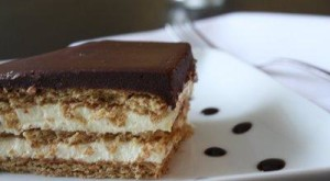 How to...Cook: Chocolate Eclair Cake