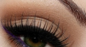 4 Ways To Get Longer Eyelashes