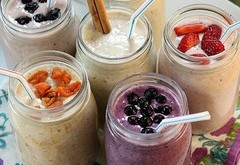 2 Easy Smoothie Recipes With Staple Food Items