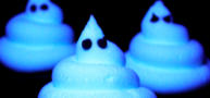 How To... Make Glow In The Dark Frosting And Ghost Cupcakes