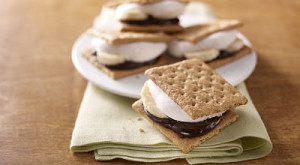 How To... Make Microwavable Banana S'Mores