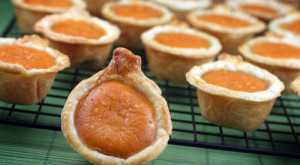 How To Make... The Perfect Thanksgiving Dessert: Pumpkin Pie Bites