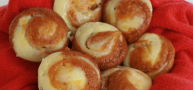 How To... Make Pumpkin Cheesecake Muffins, Perfect For Thanksgiving Morning
