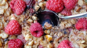 How To… Bake Blueberry and Raspberry Oatmeal