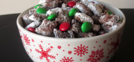 How To... Make Christmas Muddy Buddies