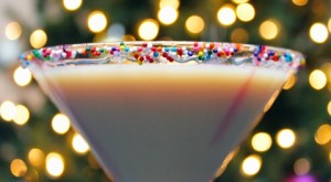 How To... Make a Christmas Cocktail: Sugar Cookie Martini