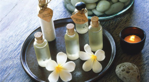 4 Aromatherapy Oils To Keep At Your Desk
