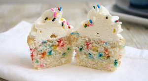 "How To... Make ""Skinny"" Funfetti Cupcakes"